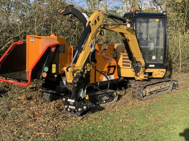 Excavator tree shear